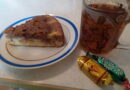 Шоколадный пирог «Шарлотка» с яблоками и бананом